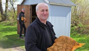 Bild: Kartoffelhäuschen - 24 Stunden Kartoffeln in Selbstbedienung kaufen
